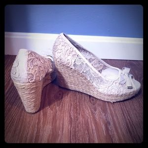 Kelly & Katie | lace wedges
